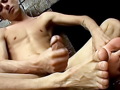 Hung Twinks Tasty Foot Load - Phillip Ashton