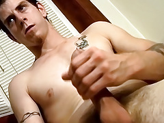 Direct Exposed Amateur Guy Jerks Off and Trial for StraightNakedThugs - Seth G