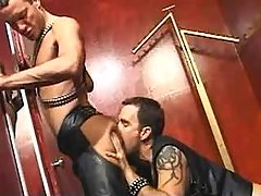 Leather gentlemen fuck brains out and jizzing on mirror