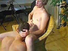 Blond man-lovers do slurp job in studio