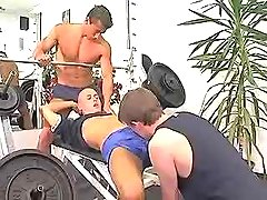 Young muscle homosexual guys suck cocks in gym
