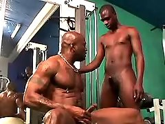 Black faggot gets hard ass nailing