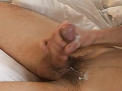 Hot Stud Sucks Huge Dick