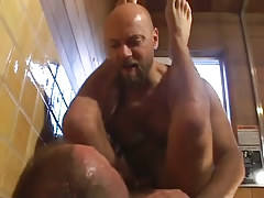 Mature bear fruits fuck in shower-room