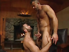 Lusty bear chap cums on hairy dilf