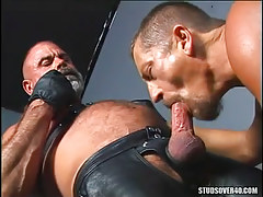 Mature gay sucks old wavy comrade in leather