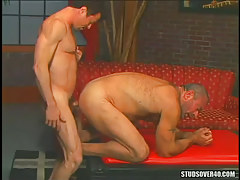 Bear dilf intense sleeps with silver dad in doggy style