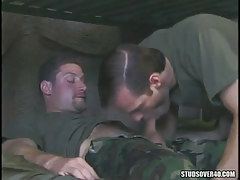 Military chap sucks his hairy assistant