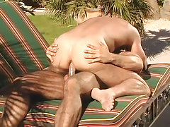 Muscle man-lover dilf rides intense stick outdoor