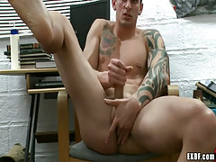 Lusty chap plays with snake and fingering backdoor