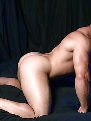 High Performance Men. Gay Pics 8