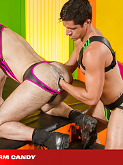 Club Inferno Dungeon. Gay Pics 10